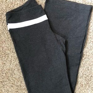 GAP Body Gbalance Flare Yoga Pants
